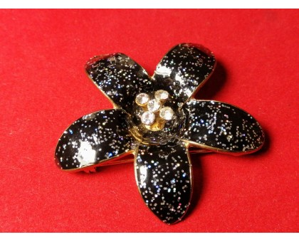Brooch Black flower