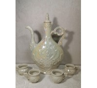 Set of jug with glasses